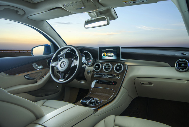 Được đà ăn khách, Mercedes-Benz tung ra phiên bản GLC 300 4MATIC Coupé - Ảnh 6.