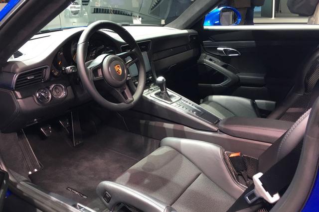 Porsche 911 GT3 2018 có thêm phiên bản Touring Package, bản sao của hàng hiếm 911 R - Ảnh 9.
