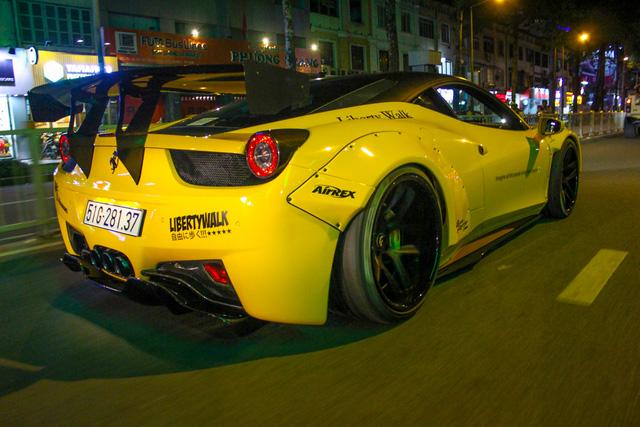 Cận cảnh siêu phẩm Ferrari 458 Italia độ Liberty Walk đầu tiên tại Việt Nam - Ảnh 10.