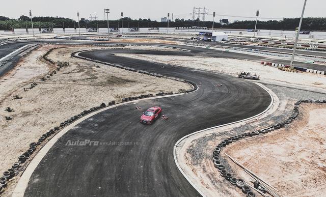 Thử nghiệm Honda Civic Turbo 2017 trên trường đua Đại Nam - Ảnh 4.