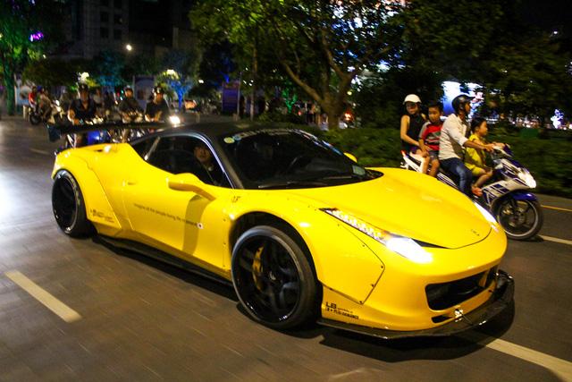 Cận cảnh siêu phẩm Ferrari 458 Italia độ Liberty Walk đầu tiên tại Việt Nam - Ảnh 5.