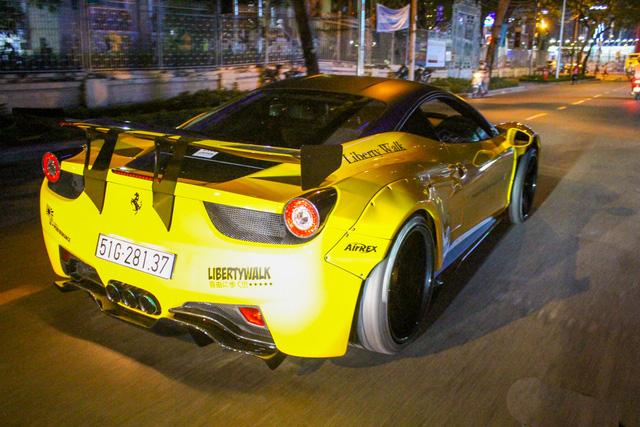 Cận cảnh siêu phẩm Ferrari 458 Italia độ Liberty Walk đầu tiên tại Việt Nam - Ảnh 17.