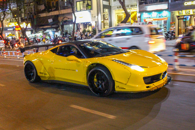 Cận cảnh siêu phẩm Ferrari 458 Italia độ Liberty Walk đầu tiên tại Việt Nam - Ảnh 16.