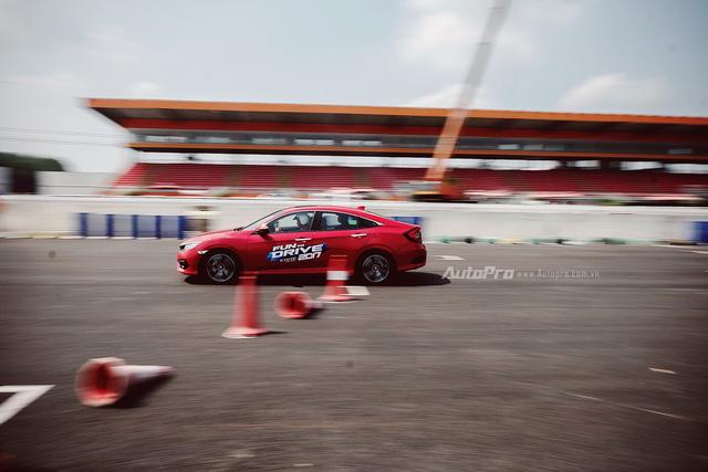 Thử nghiệm Honda Civic Turbo 2017 trên trường đua Đại Nam - Ảnh 3.