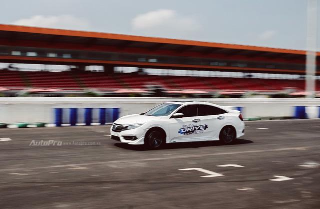Thử nghiệm Honda Civic Turbo 2017 trên trường đua Đại Nam - Ảnh 7.
