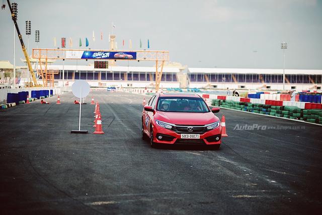 Thử nghiệm Honda Civic Turbo 2017 trên trường đua Đại Nam - Ảnh 2.
