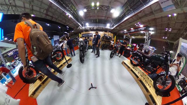 Brixton BX 125/150 hút khách trong ngày đầu ra mắt - Ảnh 3.