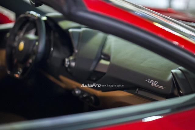 Ngựa chồm Ferrari 488 Spider màu đỏ dạo phố cuối tuần - Ảnh 12.