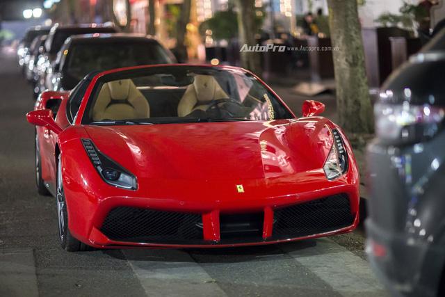 Ngựa chồm Ferrari 488 Spider màu đỏ dạo phố cuối tuần - Ảnh 7.