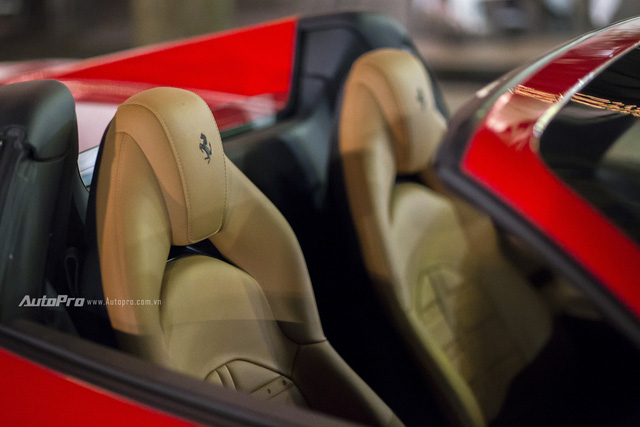 Ngựa chồm Ferrari 488 Spider màu đỏ dạo phố cuối tuần - Ảnh 11.