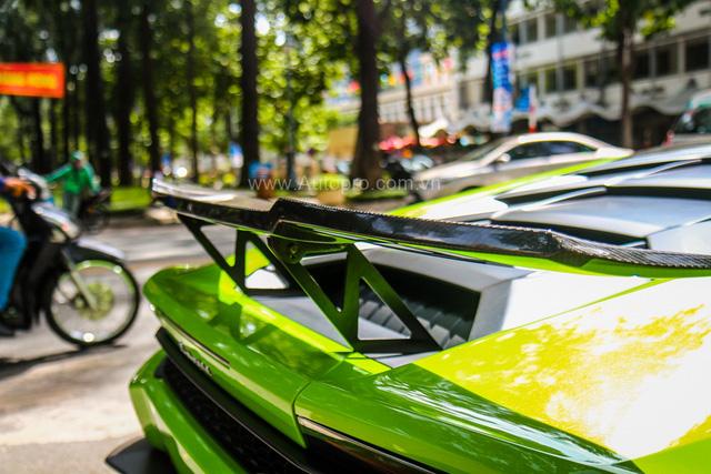 Siêu xe Lamborghini Huracan xanh cốm của đại gia kín tiếng Sài thành độ khủng - Ảnh 11.