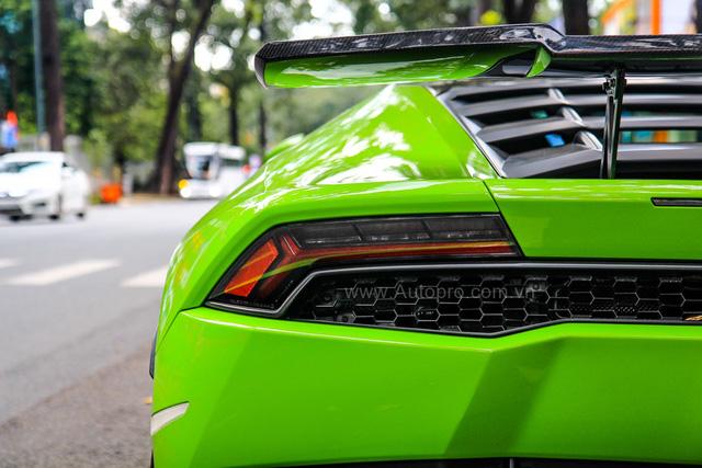 Lamborghini Huracan xanh cốm của đại gia kín tiếng quận 2 tiếp tục được độ khủng - Ảnh 8.