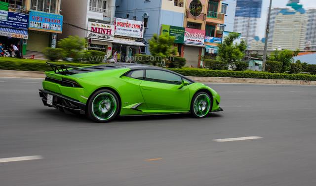 Siêu xe Lamborghini Huracan xanh cốm của đại gia kín tiếng Sài thành độ khủng - Ảnh 17.