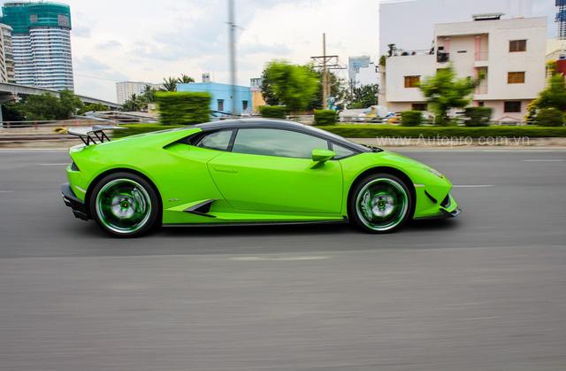 Siêu xe Lamborghini Huracan xanh cốm của đại gia kín tiếng Sài thành độ khủng - Ảnh 12.