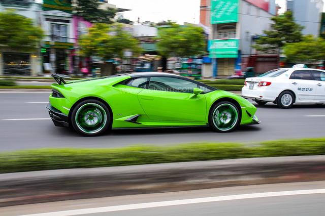 Siêu xe Lamborghini Huracan xanh cốm của đại gia kín tiếng Sài thành độ khủng - Ảnh 2.