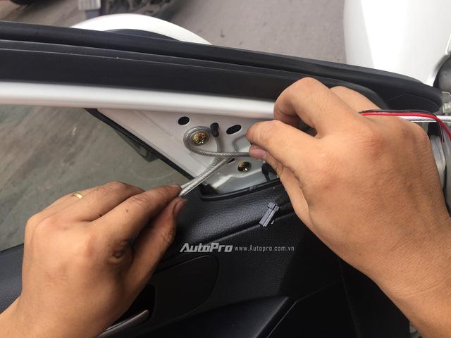 Chống trộm gương ô tô trong dịp Tết chỉ với 300.000 Đồng - Ảnh 8.