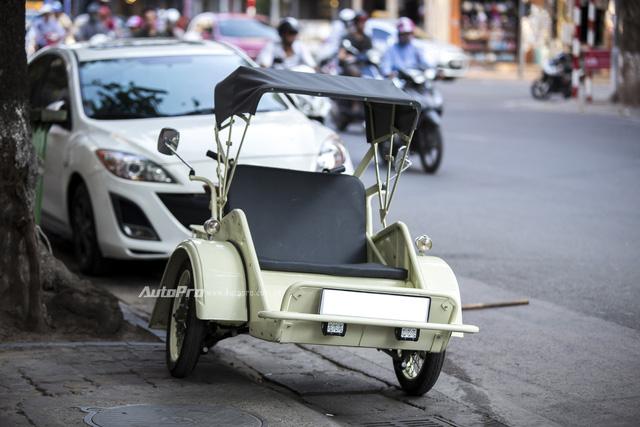 Bắt gặp đồ cổ xích lô máy Peugeot trên đường phố Hà Nội - Ảnh 3.
