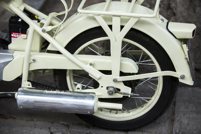 Bắt gặp đồ cổ xích lô máy Peugeot trên đường phố Hà Nội - Ảnh 8.