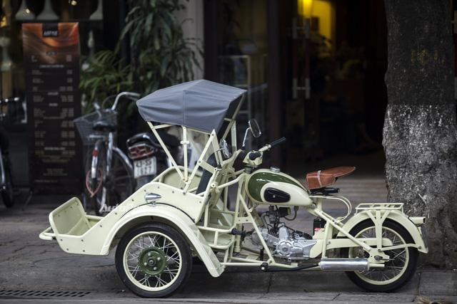 Bắt gặp đồ cổ xích lô máy Peugeot trên đường phố Hà Nội - Ảnh 9.