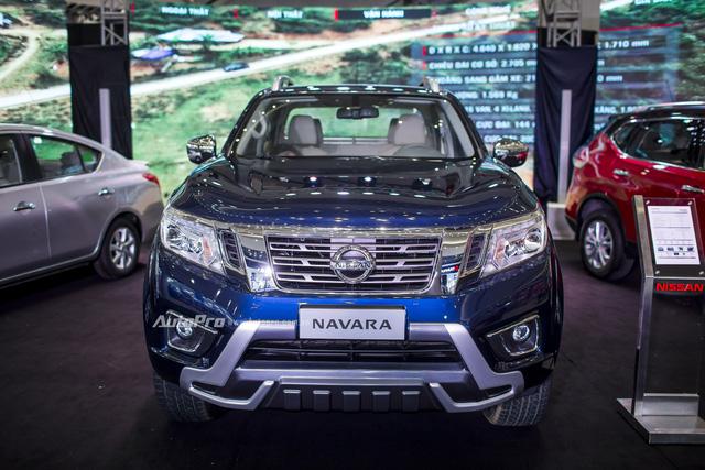 Cận cảnh Nissan Navara phiên bản đặc biệt và Nissan X-Trail phiên bản giới hạn - Ảnh 2.