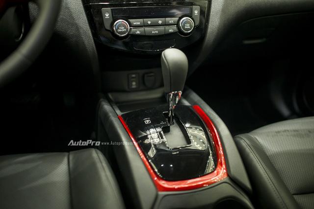 Cận cảnh Nissan Navara phiên bản đặc biệt và Nissan X-Trail phiên bản giới hạn - Ảnh 12.