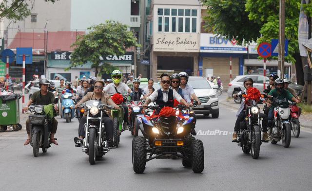 Chất chơi với đám rước dâu của stunter Việt được hộ tống bằng xe ATV và phân khối lớn - Ảnh 1.