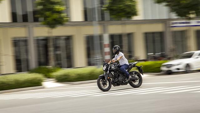 Yamaha MT-03 - Naked bike dành cho các bạn trẻ nhập môn phân khối lớn - Ảnh 7.
