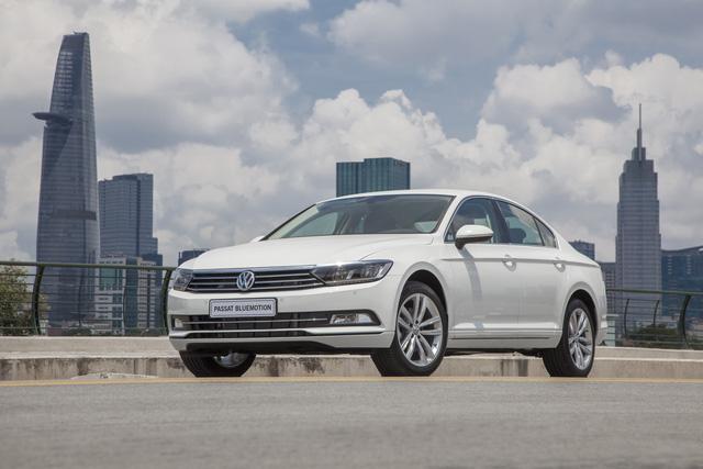 Cận cảnh VW Passat Bluemotion, đối thủ Toyota Camry, có giá 1,450 tỷ Đồng tại Việt Nam - Ảnh 3.
