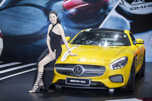 Dàn chân dài miên man tại Mercedes-Benz Fascination 2017 - Ảnh 1.