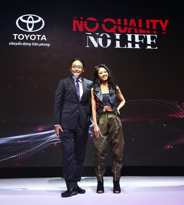 Khi cả thị trường đổ xô cạnh tranh nhau vì giá, Toyota Việt Nam lại tung chiến dịch nâng cao chất lượng - Ảnh 1.