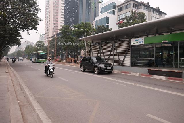 Sáng nay xe bus nhanh BRT chính thức hoạt động, đường thông hè thoáng - Ảnh 2.