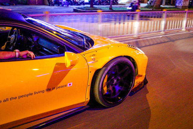 Cận cảnh siêu phẩm Ferrari 458 Italia độ Liberty Walk đầu tiên tại Việt Nam - Ảnh 18.