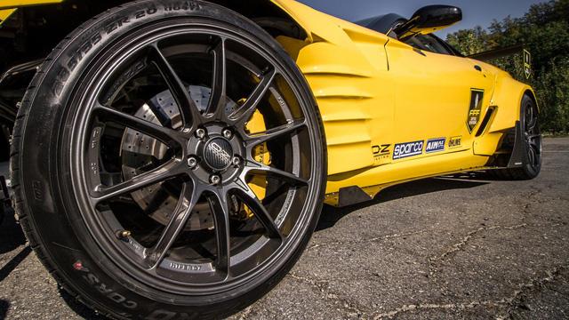 Siêu ngựa Ferrari 599 GTB Fiorano Drift đầu tiên trên thế giới - Ảnh 6.