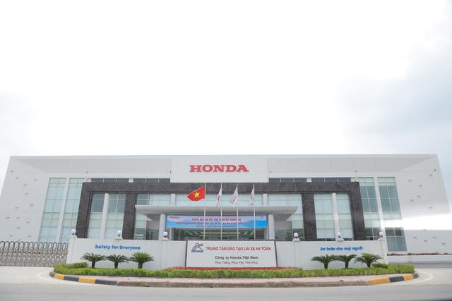 Học lái xe bằng Honda Civic, City, chất lượng chuẩn quốc tế - Ảnh 2.