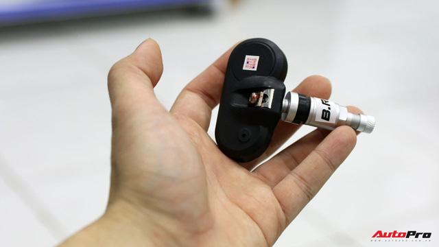 Mổ xẻ một bộ cảm biến áp suất lốp - đồ chơi giá mềm, cần thiết không chỉ cho xe sang - Ảnh 5.