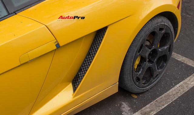 """""""Bò già"""" Lamborghini Gallardo 13 năm tuổi mất sạch logo xuất hiện tại Hà Nội - Ảnh 14."""