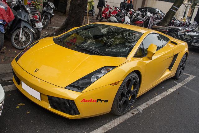 """""""Bò già"""" Lamborghini Gallardo 13 năm tuổi mất sạch logo xuất hiện tại Hà Nội - Ảnh 10."""