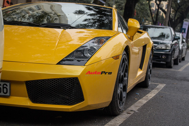 """""""Bò già"""" Lamborghini Gallardo 13 năm tuổi mất sạch logo xuất hiện tại Hà Nội - Ảnh 9."""