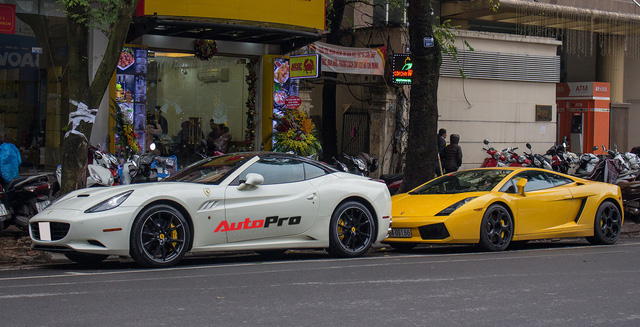 """""""Bò già"""" Lamborghini Gallardo 13 năm tuổi mất sạch logo xuất hiện tại Hà Nội - Ảnh 8."""