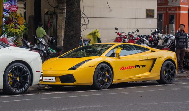 """""""Bò già"""" Lamborghini Gallardo 13 năm tuổi mất sạch logo xuất hiện tại Hà Nội - Ảnh 7."""