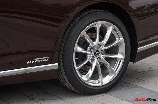 Cạnh tranh Mercedes-Maybach, Lexus LS500h 2018 chốt giá 7,6 tỷ đồng tại Việt Nam - Ảnh 9.