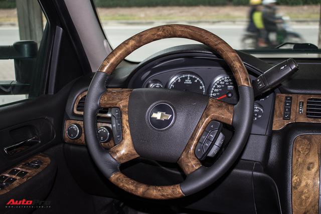 Khủng long Mỹ Chevrolet Suburban 2008 rao bán lại giá hơn 1,8 tỷ đồng - Ảnh 12.