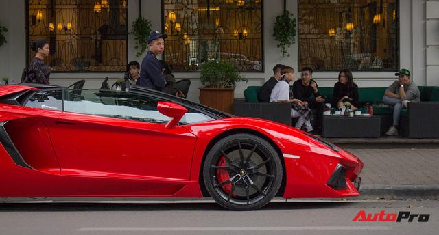 Chán phong cách Dubai, Lamborghini Aventador Roadster về màu nguyên bản tại Hà Nội - Ảnh 16.