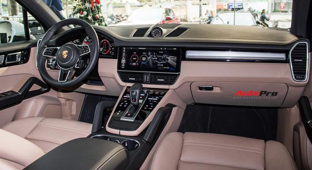 Khám phá Porsche Cayenne S 2018 thêm option, giá 7,7 tỷ đồng vừa về tới Hà Nội - Ảnh 7.