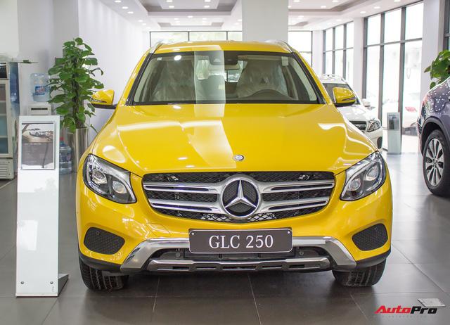 Diện kiến Mercedes GLC250 4MATIC màu độc nhất Việt Nam - Ảnh 2.