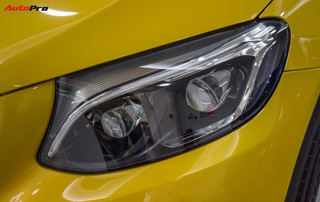 Diện kiến Mercedes GLC250 4MATIC màu độc nhất Việt Nam - Ảnh 7.