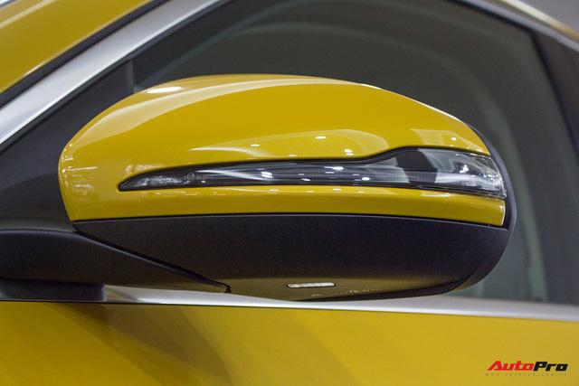 Diện kiến Mercedes GLC250 4MATIC màu độc nhất Việt Nam - Ảnh 10.