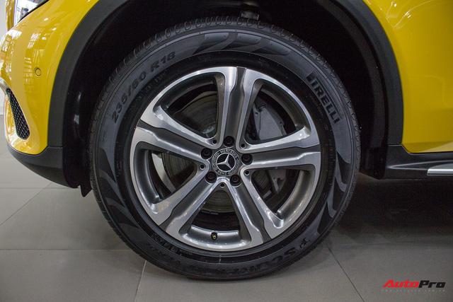 Diện kiến Mercedes GLC250 4MATIC màu độc nhất Việt Nam - Ảnh 8.