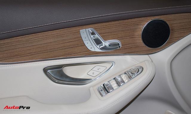 Diện kiến Mercedes GLC250 4MATIC màu độc nhất Việt Nam - Ảnh 15.