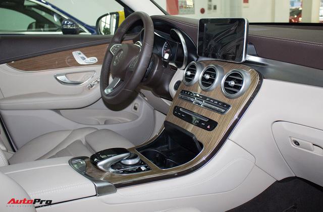 Diện kiến Mercedes GLC250 4MATIC màu độc nhất Việt Nam - Ảnh 16.